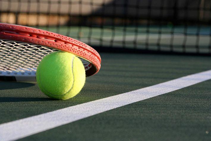 tennis ball iStock-105945770.jpg