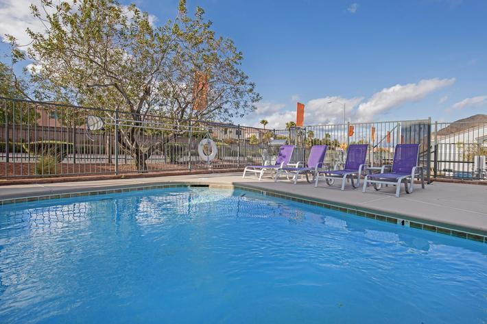 MAKE A SPLASH AT TIERRA VILLAS IN LAS VEGAS