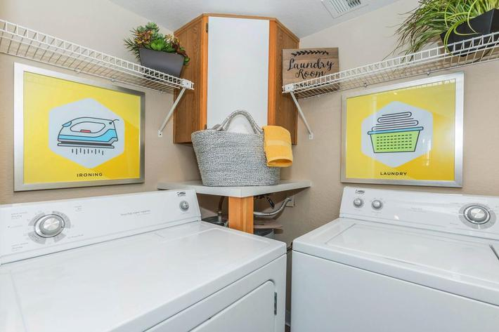 Pacific Bay Club has washer and Dry in Home