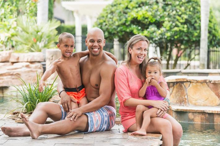 family at pool - iStock-637498494_super.jpg