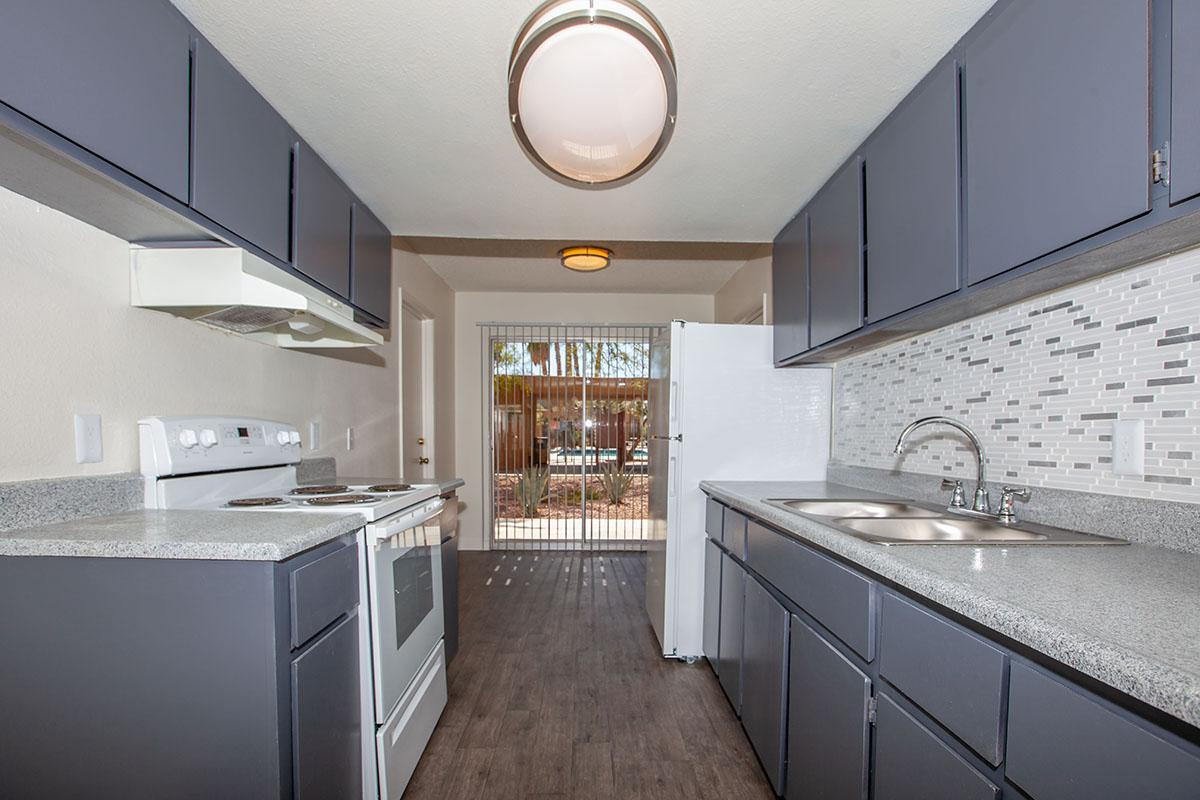 GOLDEN POND IN LAS VEGAS HAS ALL-ELECTRIC KITCHENS