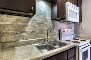Picture-Kitchen.jpg