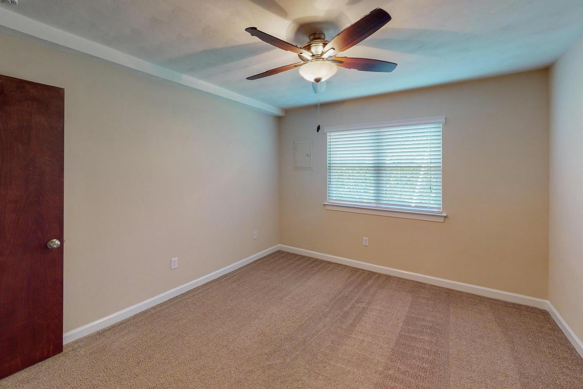Lake-Bradford-1BR-Unfurnished.jpg