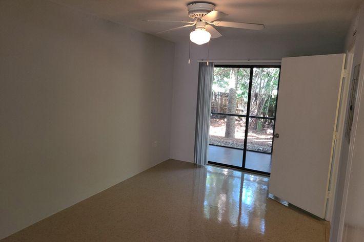 Spacious apartment for rent in Naples, Florida