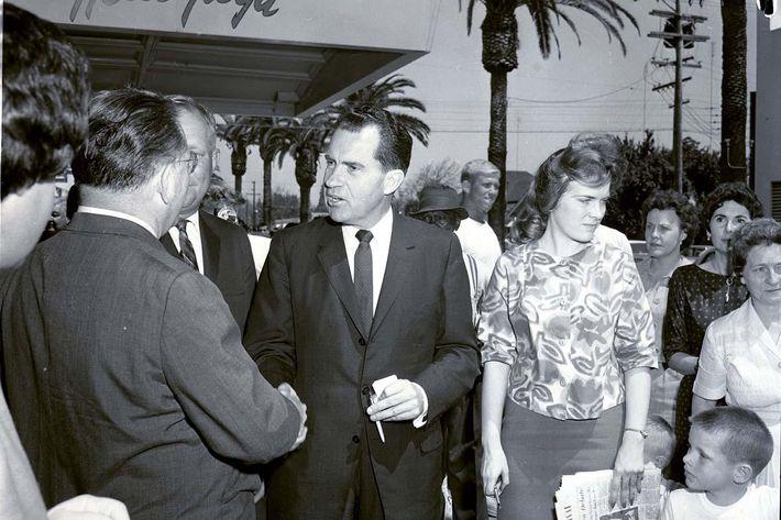 2010.60.138.Politics.Republican.Nixon.Visits.Merced.4.10.1962.1.jpg.jpg