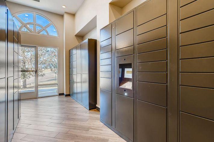 13631 Shepard Hts Colorado Springs CO - Web Quality - 014 - 20 Package Room.jpg