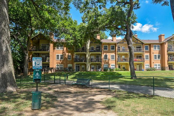 Westshore Colony Apartments in New Braunfels, TX - Dog Park 01.jpg