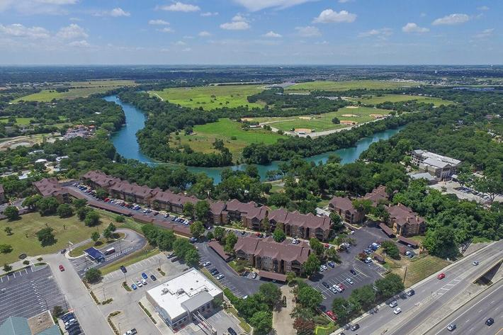 Westshore Colony Apartments in New Braunfels, TX - Exterior 10.jpg