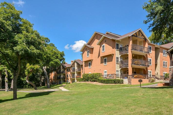 Westshore Colony Apartments in New Braunfels, TX - Exterior 31.jpg