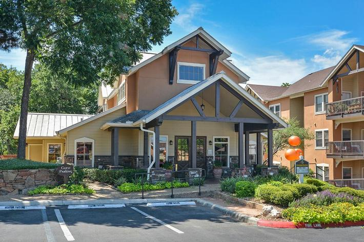 Westshore Colony Apartments in New Braunfels, TX - Exterior 38.jpg