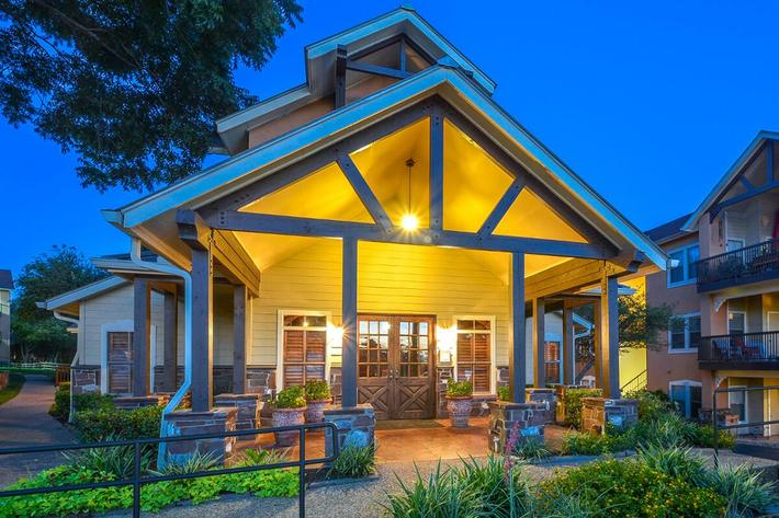 Westshore Colony Apartments in New Braunfels, TX - Exterior 43.jpg