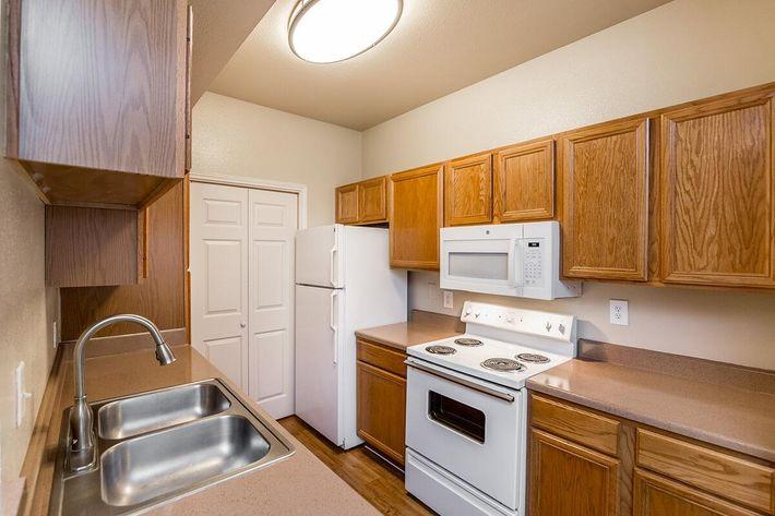Westshore Colony Apartments in New Braunfels, TX - Interior 05.jpg
