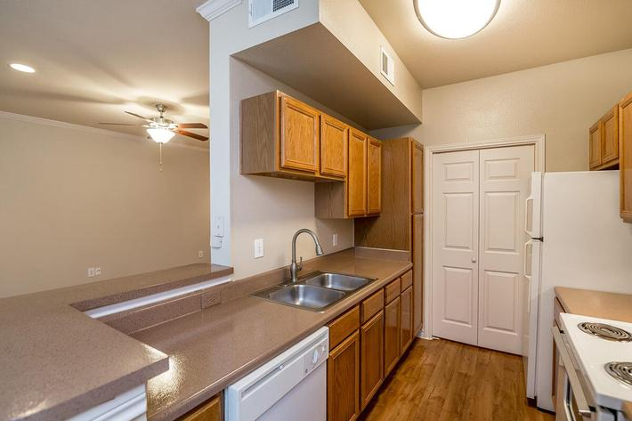 Westshore Colony Apartments in New Braunfels, TX - Interior 06.jpg