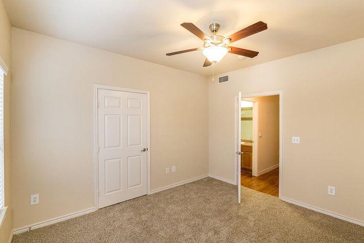 Westshore Colony Apartments in New Braunfels, TX - Interior 13.jpg