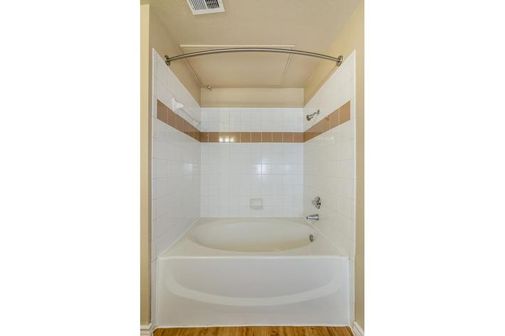 Westshore Colony Apartments in New Braunfels, TX - Interior 15__1 2.jpg