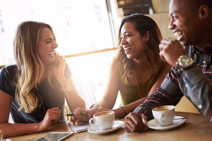 friends & coffee - iStock-635964466_super.jpg