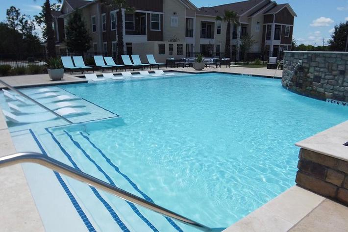Left side of pool.jpg