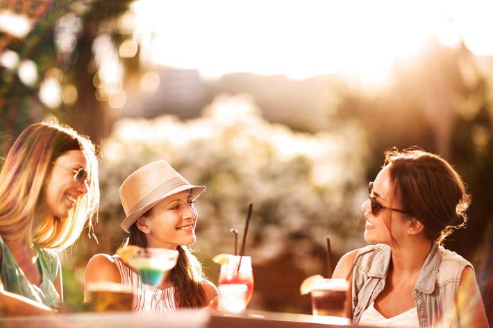amenities-outdoor-girls having drinks.jpg