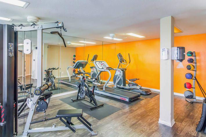 FitnessCenter-width-2400px.jpg