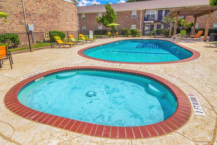 Pool_2-width-2400px.jpg