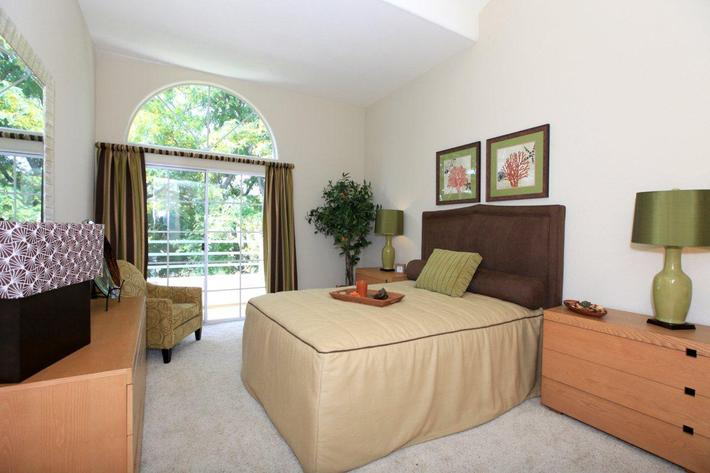 Charming bedrooms in Woodland Hills, California