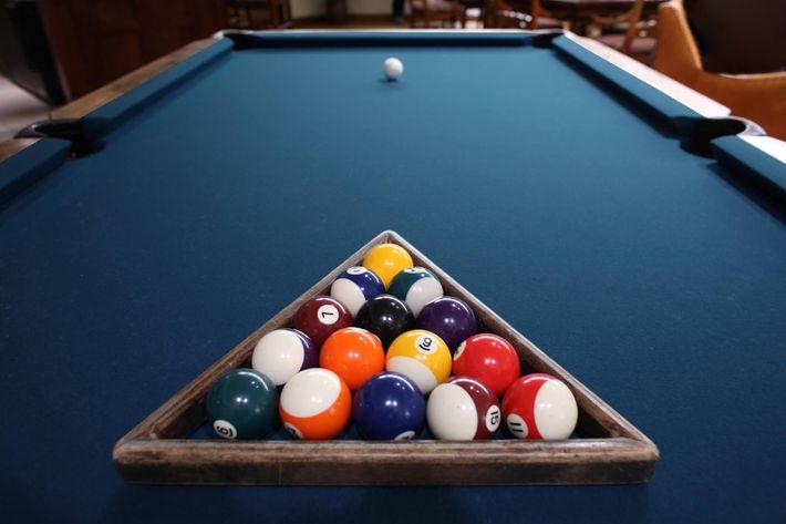 Pool Table (Customizable Color).jpg