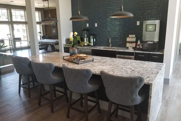Resident Lounge 3.jpg