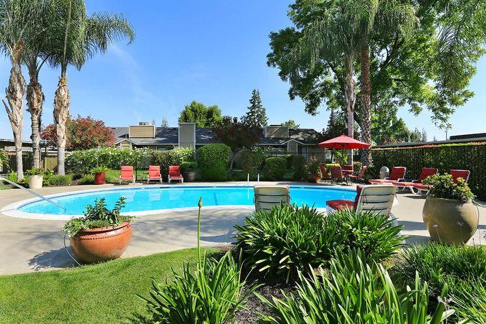 The pools at Prescott Pointe are inviting