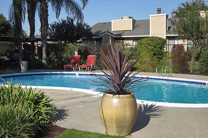 Prescott Pointe Apartments are in Clovis California