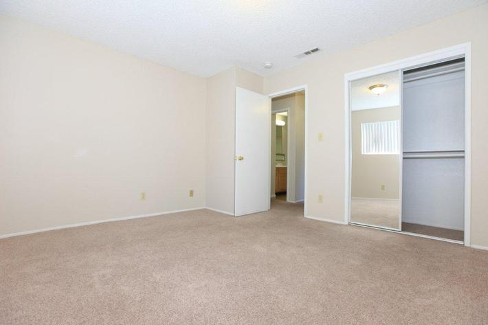 Prescott Pointe features single level homes