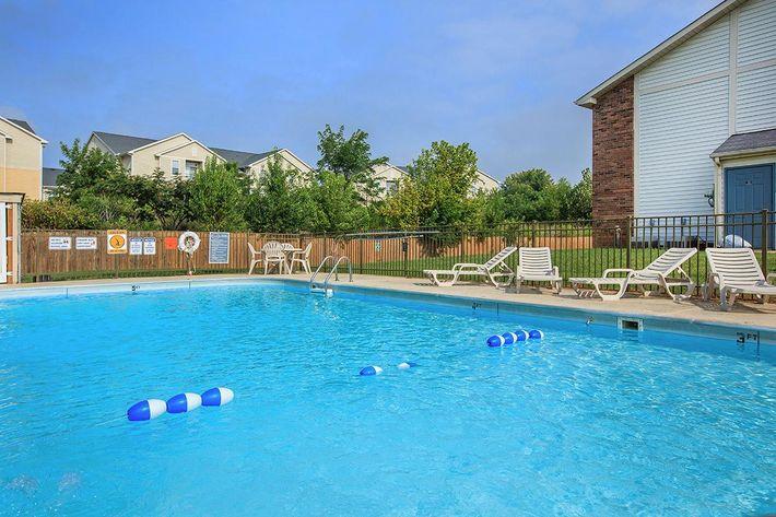 Pool at Eagles Crest at Durrett