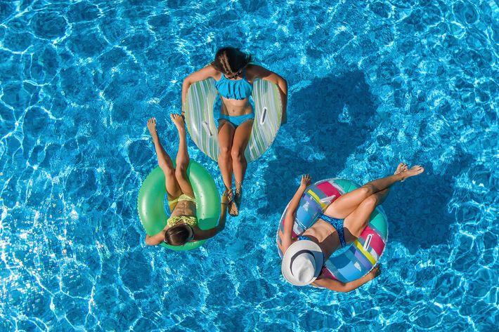 pool view overhead - iStock-841807138.jpg