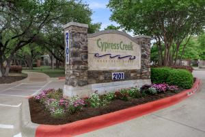 Welcome Home to Cypress Creek Apartment Homes at Lakeline Boulevard