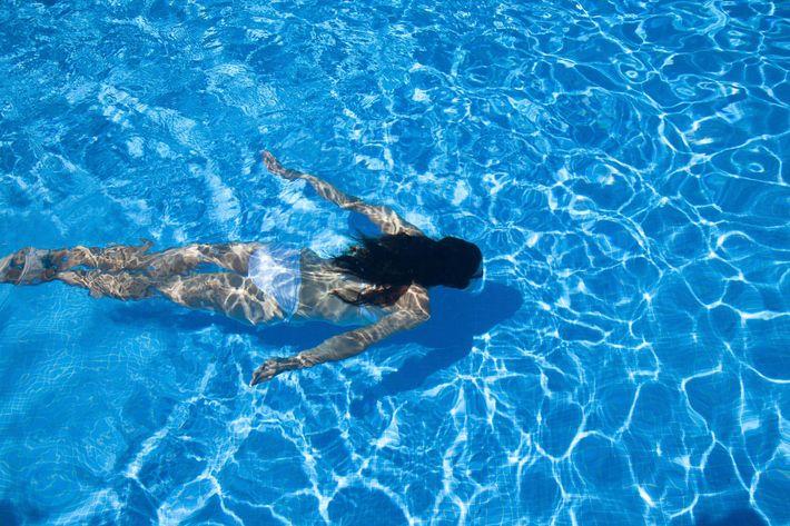 diving bottom of a pool  iStock_000050671358_Full.jpg
