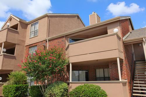 Emerald Park - Apartments in North Richland Hills, TX