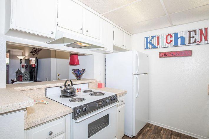 02c Kitchen.jpg