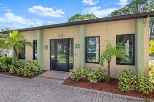 Come Meet Your New Home at the Oasis at Bayside in Largo, Florida