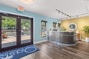 Come Visit Our Office at the Oasis at Bayside in Largo, Florida