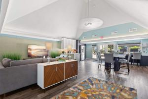 Enjoy Our Business Center At The Oasis at Bayside in Largo, Fl
