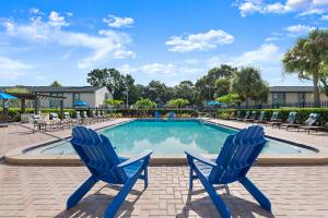 Soak Up the Sun at the Oasis at Bayside in Largo, Florida