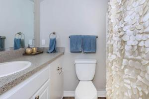 Modern Bathroom At The Oasis at Bayside in Largo, Fl