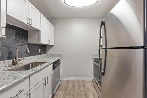 Modern Kitchens At The Oasis at Bayside In Largo, Florida