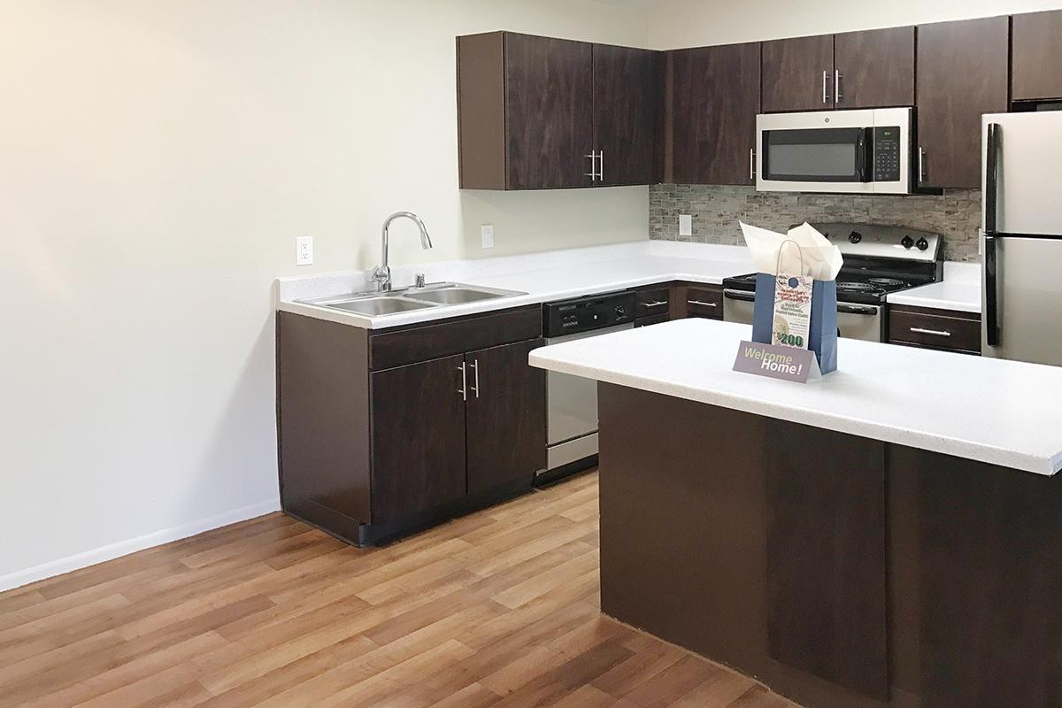 Deluxe Kitchen.jpg