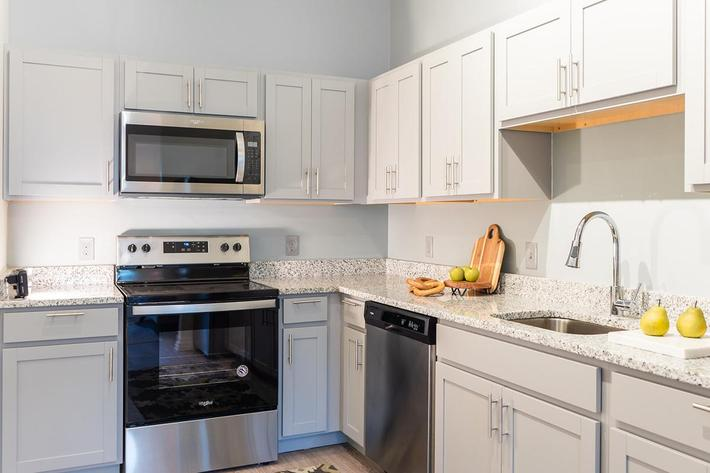 Gorgeous kitchen in one bedroom apartment at The Lofts at Brentwood in Nashville, TN