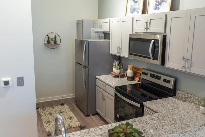 All-electric kitchen in studio apartment at The Lofts at Brentwood in Nashville, TN