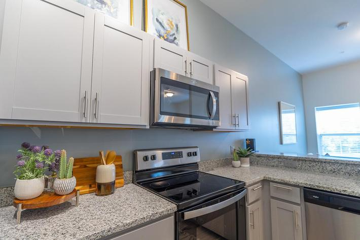 Beautiful kitchen in Oxford floor plan at The Lofts at Brentwood