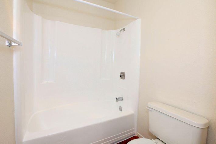 2 bed 1 bath (6).jpg
