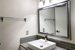 329-bath.jpg