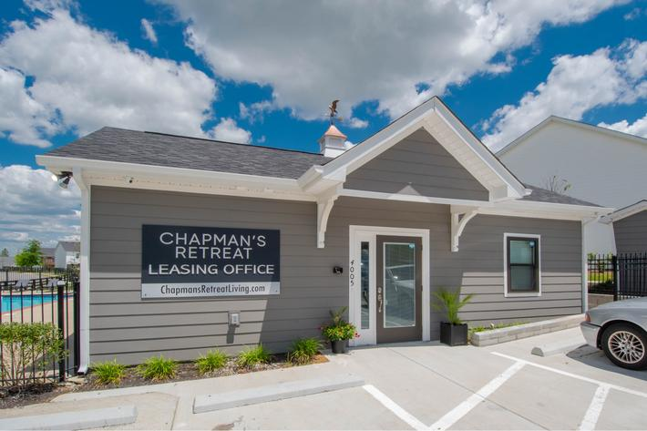 leasing office at Chapmans retreat in Spring Hill, Tennessee
