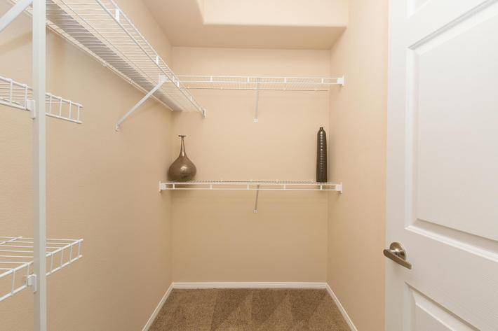 Spacious Walk-in Closets in Las Vegas, Nevada